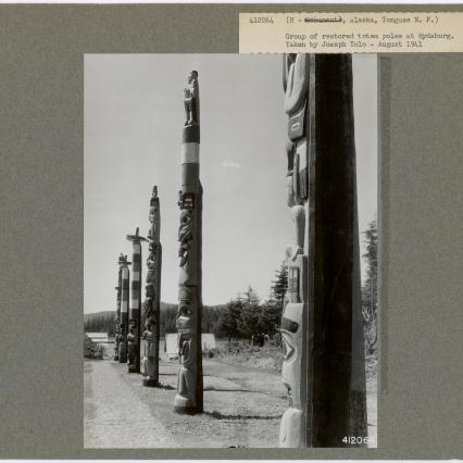 w-hydaburg-hist-totem-poles